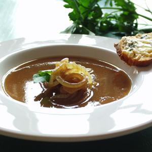 Fransk løgsuppe med gorgonzolacroutons
