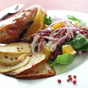 Glaseret kyllingebryst med sultanas og sprøde kartofler