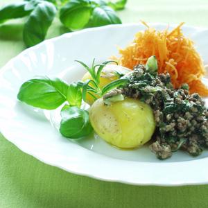 Grøn kødsauce med krydderurter og forårsløg