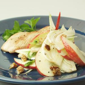 Honningglaseret kalkunschnitzel med fennikelsalat