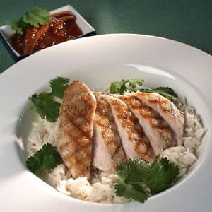 Kyllingfilet med ris og mangochutney