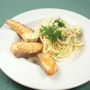 Pasta med gorgonzola og laks
