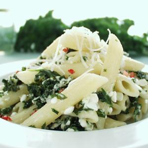Pasta med hytteost og grønkål