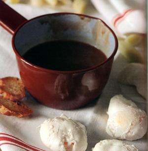 Pocherede æg som i Bourgogne med porrer