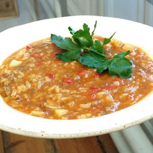 Ragoutsuppe med ris og peberfrugt