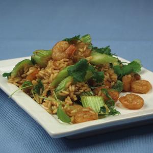 Rejer med ris og forårsløg og karry og frisk koriander