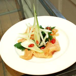 Røget laks med fennikel-salat