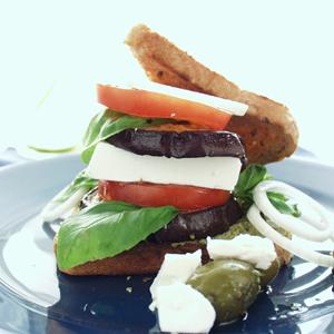 Sandwich med aubergine og feta