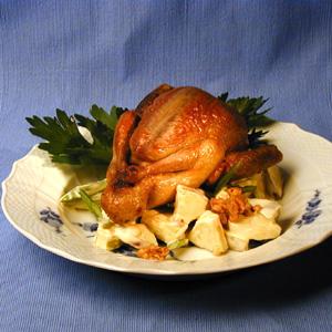 Stegt due med salat med æbler og selleri