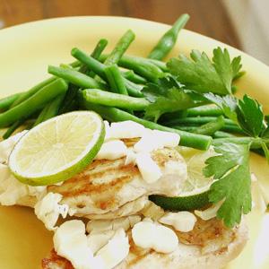 Stegt kylling med hvidløg og grønne bønner