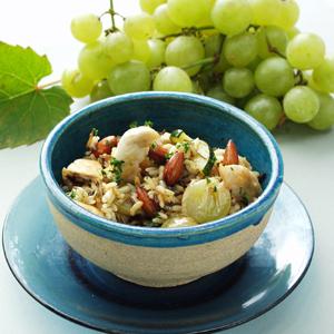 Stegte ris med kylling og grønne druer