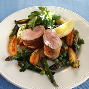 Svinemørbrad med ristede kartofler og asparges
