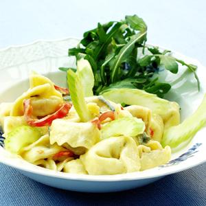 Tortellini med rucola og gorgonzolasauce