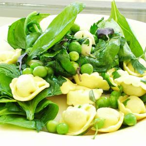 Tortellini med skinke og spinat